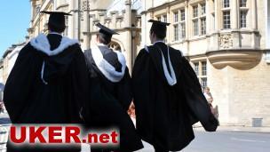个人的成功不能改变这样一个事实:牛津剑桥的学生中,来自贫困阶层家庭的孩子不到1%。
